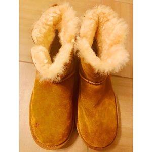 41a3f710911 Women's Ugg Boots | Poshmark